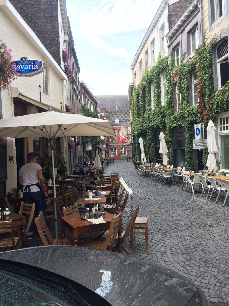 Charming eateries in the tourist center