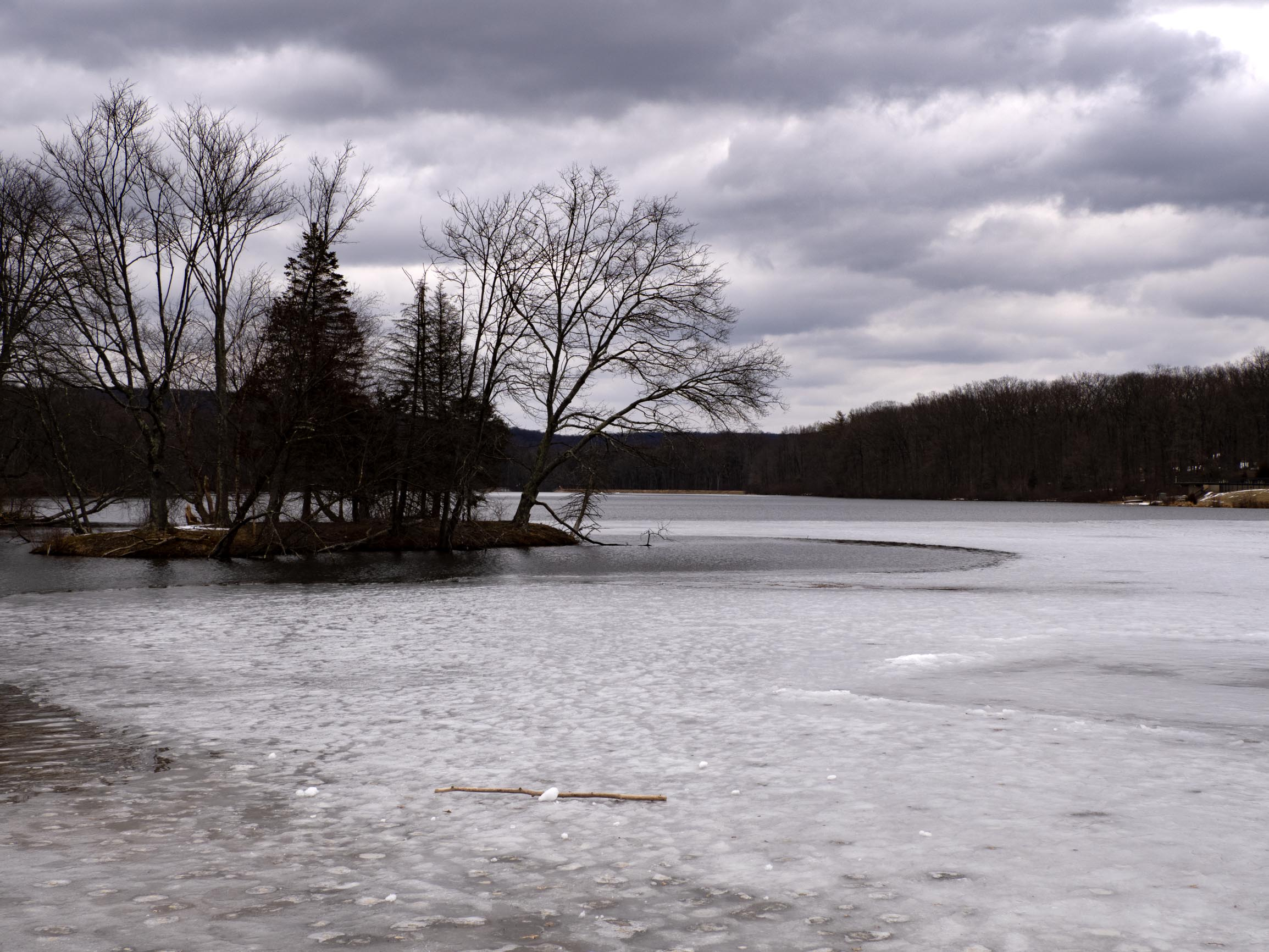 Ice still intact on Hopewell Lake on March 6th -- my most recent visit to French Creek State Park before the robin-spotting.