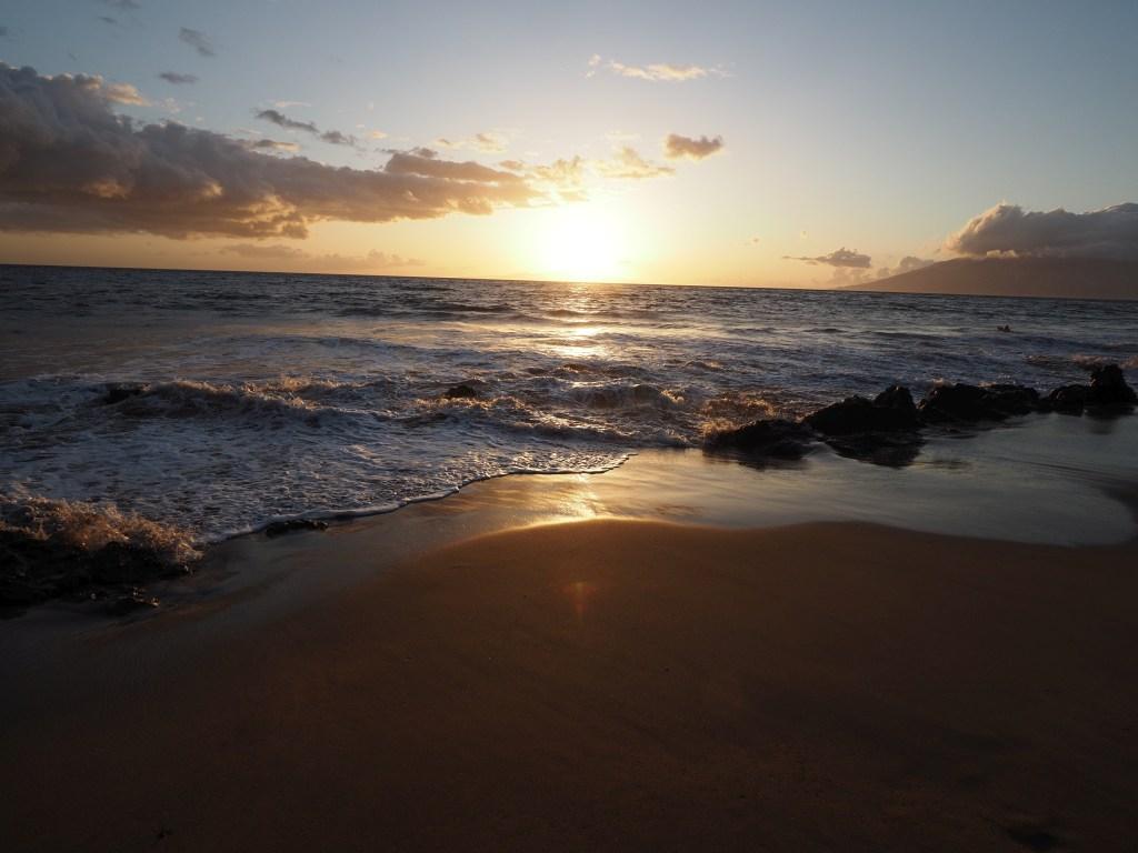 The start of sunset, at a beach near Wailea